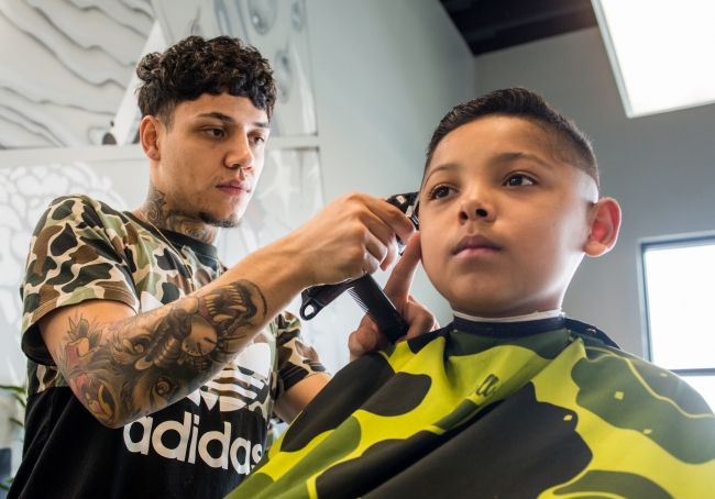 Rose Park native opens barber shop to give back to his community